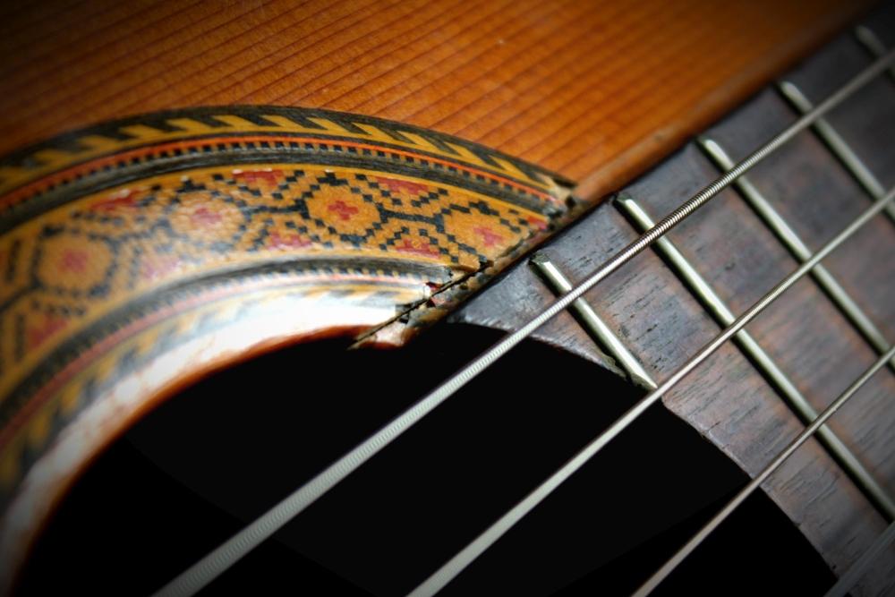 Gitara klasyczna przed klejeniem