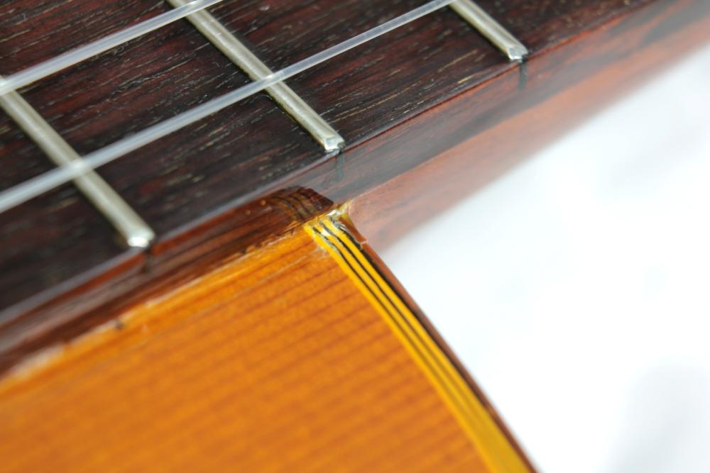 Sklejona gitara klasyczna