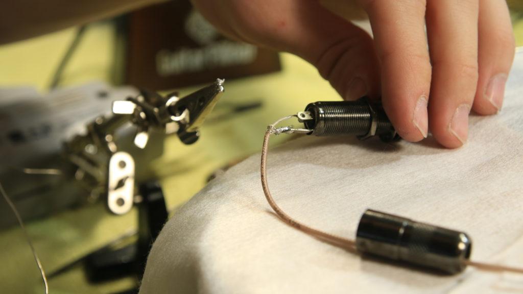 montaż pickupa przetwornik bas akustyczny ab4 l.r.baggs 7